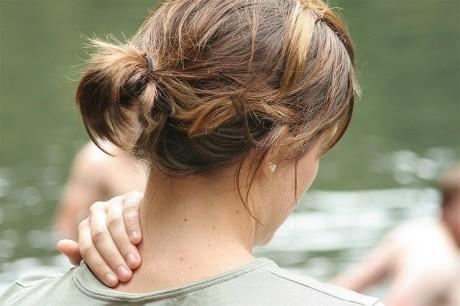 Мануальная терапия поможет при боли в шее