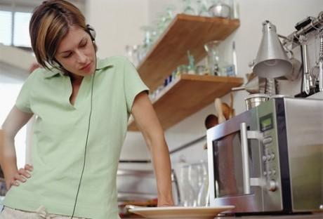 Почему эксперты не советуют пользоваться микроволновкой
