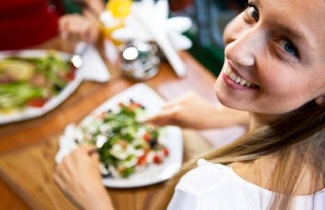 Список сытных продуктов, которые помогают меньше есть