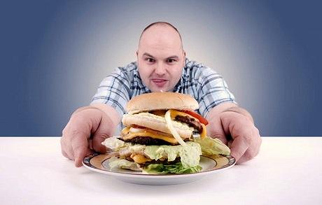 Исследование: ночной прием пищи – путь к ожирению
