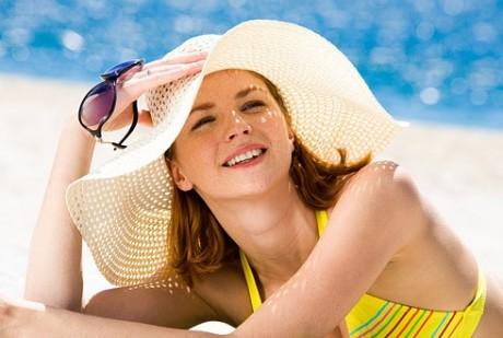 Как летом заботиться о коже, склонной к угревой сыпи