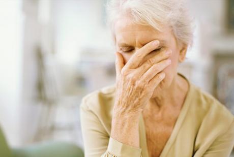 Болезнь Альцгеймера: советы для поддержания нормальной жизни