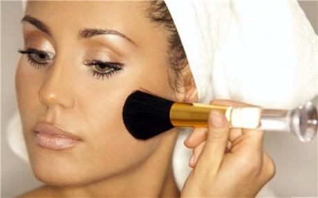 Здоровый макияж: о чем стоит помнить женщине