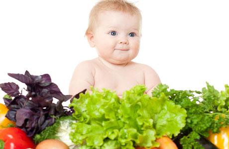 Остались рекомендации педиатров советских времен о введении соков малышам уже в трехнедельном возрасте.