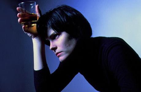 Антистрессовый пептид способен вести борьбу с алкоголизмом