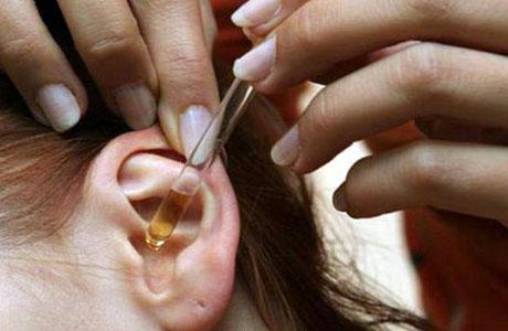 Стоит приобрести специальное средство для ухода за ушными раковинами