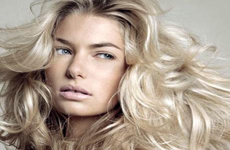 Благодаря жирным кислотам улучшается структура волос