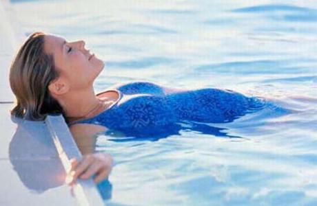 К плаванию противопоказаний крайне мало