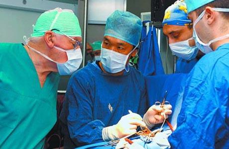 Лечение может быть только оперативным