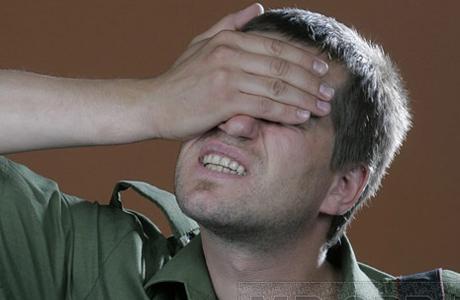 При каком-либо повреждении глаза нужно незамедлительно обратиться к окулисту