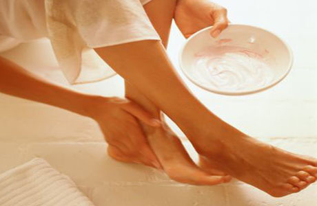 Трещины на пятках: меры профилактики и лечения