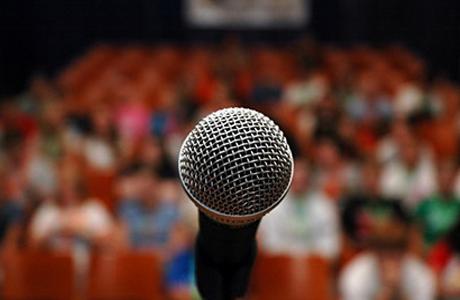 Страх перед публичным выступлением можно побороть
